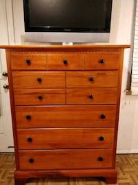 Nice wooden big chest dresser with big drawers in  33 km