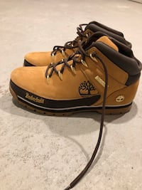 Timberlands boots  Mississauga, L5G 0A8