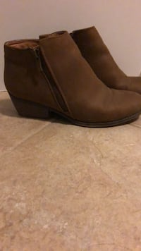 Pair of brown suede chelsea boots 809 km