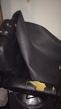 Black leather 2-seat sofa New Orleans, 70122