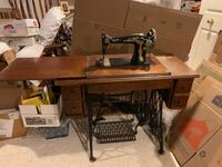 Lower Price! 1913 Singer Treadle Sewing Machine