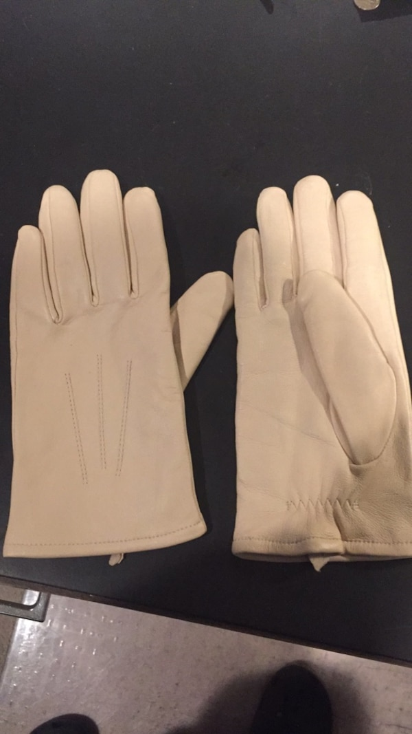3b21bd338 Leather gloves ladies size L. Marks and Spencer brand. Beige, Excellent  condition