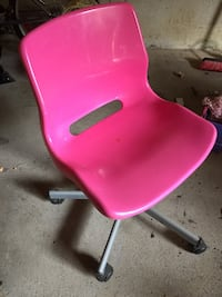 pink and gray rolling chair Vaughan, L4L 4E7