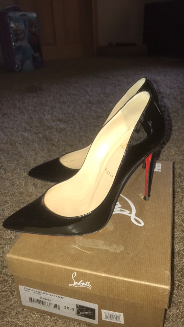 876ad9ae6f2 Used Christian Louboutin Shoes Size 38.5 (7.5-8) slightly used ...