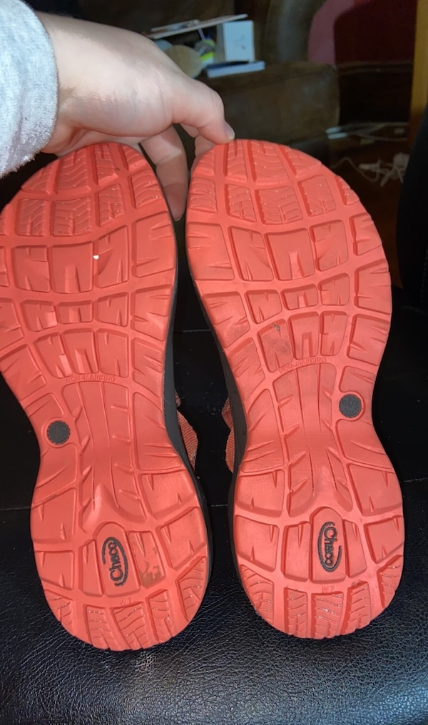 Chacos  4c84d0eb-3f3b-4e05-9d87-68a7a51699ee