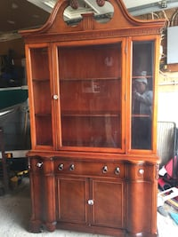 Brown wooden china buffet hutch  antique Bradford, L3Z 1Z8