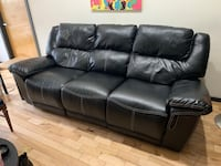 Reclining Leather Couch (black) Richmond, 23219