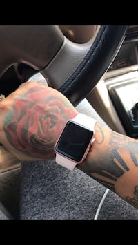 rose gold case Apple Watch with white Sports Band Las Vegas, 89121