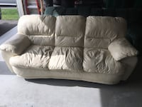 white leather 3-seat sofa Bradford West Gwillimbury, L3Z 0V4