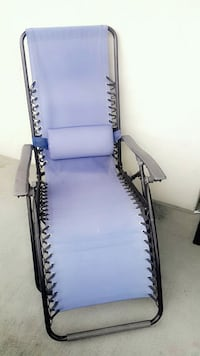 blue and gray lounge chair