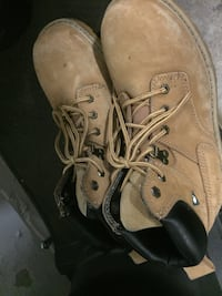 2 pairs of steel toe boots Mississauga, L5A