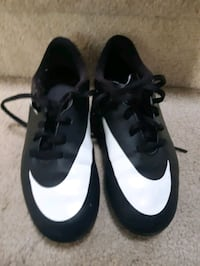 youth 2 soccer cleats