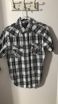black, white, and gray plaid short-sleeved button-up shirt Vaughan, L4K 2K6