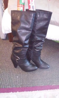 pair of black leather knee-high boots Newman, 95360