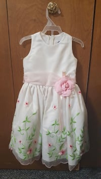 Toddler dress  Shelby Township, 48315