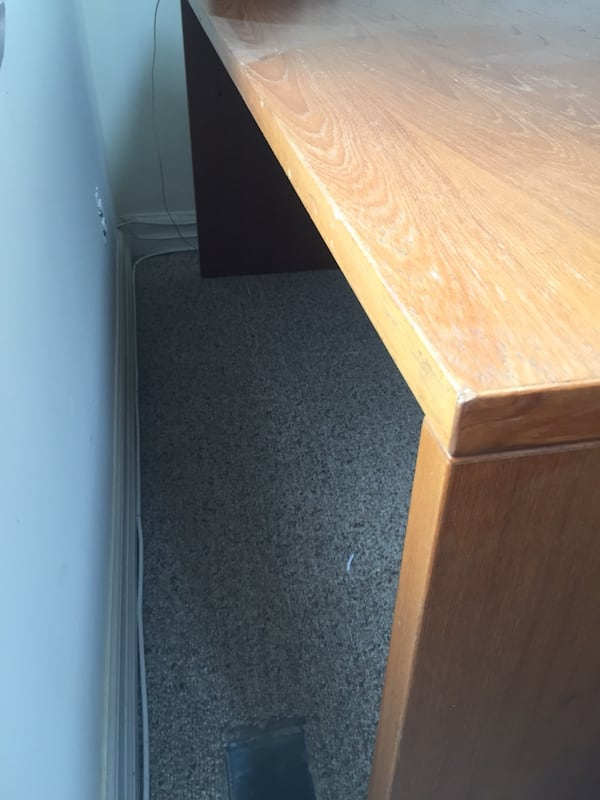 Nice office wood desk - good condition 2