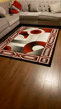 Area rug( Clean and pet free) Surrey, V3R 2C8
