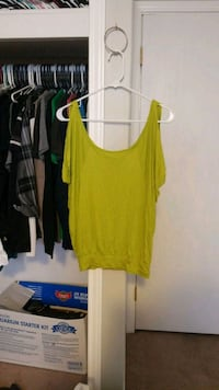 Cold shoulder size medium Amarillo, 79102