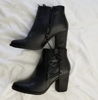 Women Black Boots In Almost New Condition Burlington
