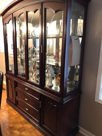 Cherry china cabinet great condition don't let this one go more to good to be true!!! Mississauga, L5V 2L2