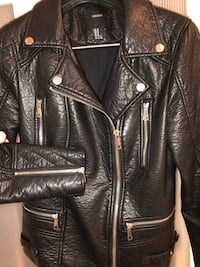 Women's fashion, size Medium, leather biker jacket. Montréal, H2J