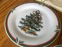 Christmas dinnerware plates and bowls  Markham, L6B 1A1