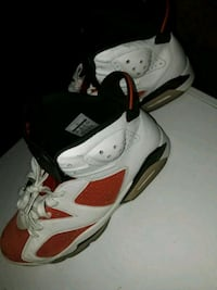 white-and-red Air Jordan 6 shoes Savannah, 31419