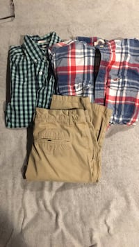 Mens long sleeve button ups and khaki pants Yorkville, 60560
