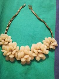 Blomster necklace