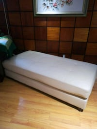 white and black bed mattress Montréal, H9H 2N1