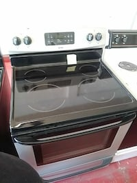 Kenmore stainless steel electric stove Cleveland, 44102