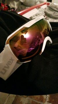UVEX Skiing / Snowboarding Goggles Montréal, H4K 2R1
