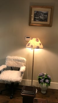 Pretty Faux fur swivel chair, Lampshade $65 - swivel chair / Lampshade is $40 Surrey, V4N 5R4