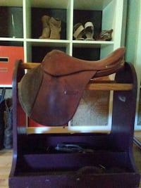 brown leather horse saddle York, 17404