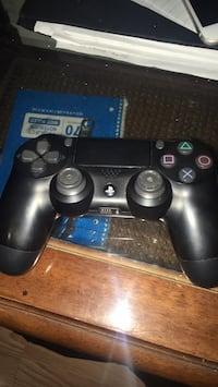 Ps4 controller  District Heights, 20747