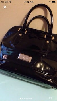 Authentic IVANKA TRUMP BLACK patent leather HANDBAG Mississauga, L5J 1V8