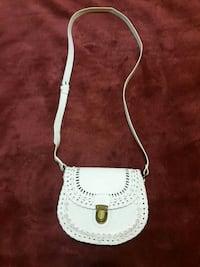"White "" Leather "" Purse West Kelowna, V1Z 3E7"