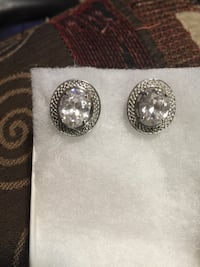 Earring stainless steel white color