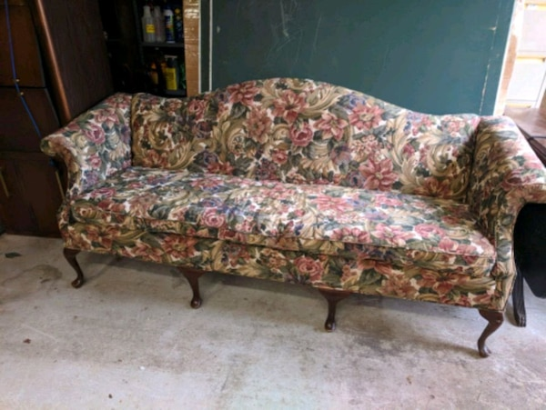 Sold Lovely Queen Anne Sofa In Atlanta
