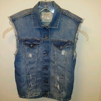 Preworn: Zara Trafaluc denim jean vest distressed ripped MEDIUM  Women Edmonton, T6X 1J9