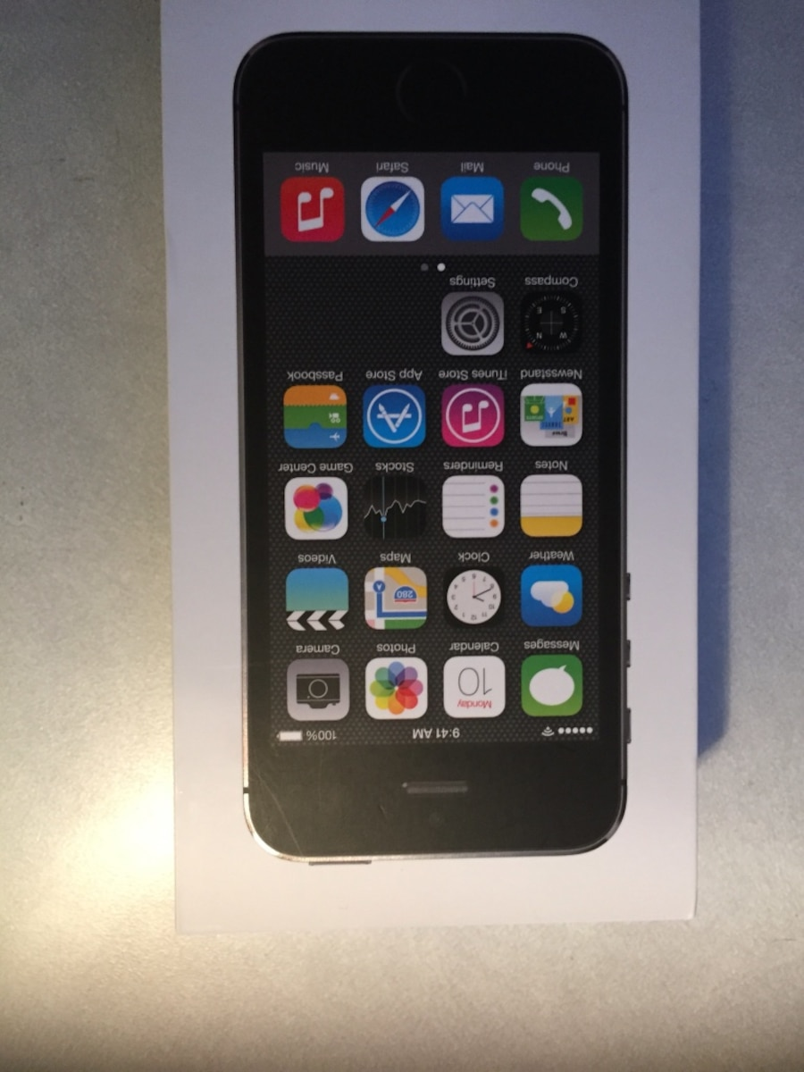 space gray iPhone 5s with box - Ontario