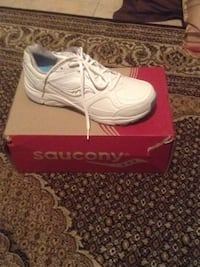 Brand new women's saucony pro grid integrity st2 size 10 Burlington, L7L 7M1