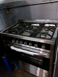 Stainless steel stove gas brand new scratch and de Baltimore, 21223