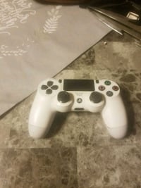 playstation controller  528 mi