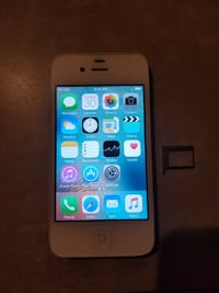 *UNLOCKED* iPhone 4S 16GB. Great Starter Phone! Calgary