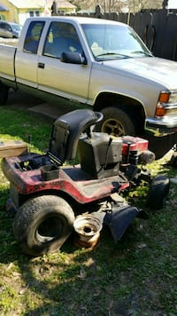 black and red ride on mower Anniston, 36201