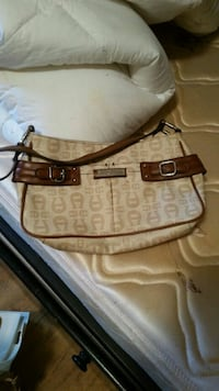 Small beige purse  Cookeville, 38501