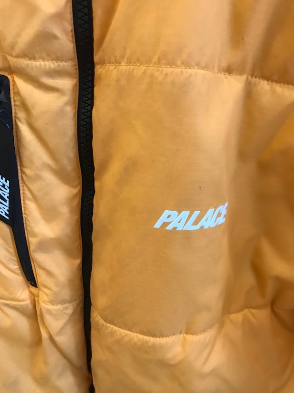 Palace reversible insulated winter jacket 0121ac34-bfd2-4f55-b03a-b6f7af9310c9