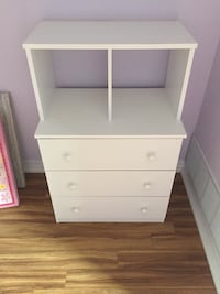 Small white wayfair dresser  Toronto, M8Y 4H7