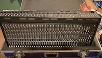 Mackie SR32.4 VLZ Pro 32-Channel Mixer works perfect, includes case.  Fort Washington, 20744